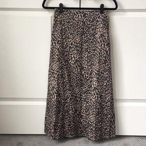Dresses & Skirts - Trendy leopard skirt